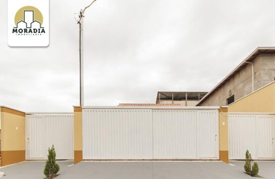 Casa geminada a venda com 2 quartos no Residencial Porto Seguro em Caratinga